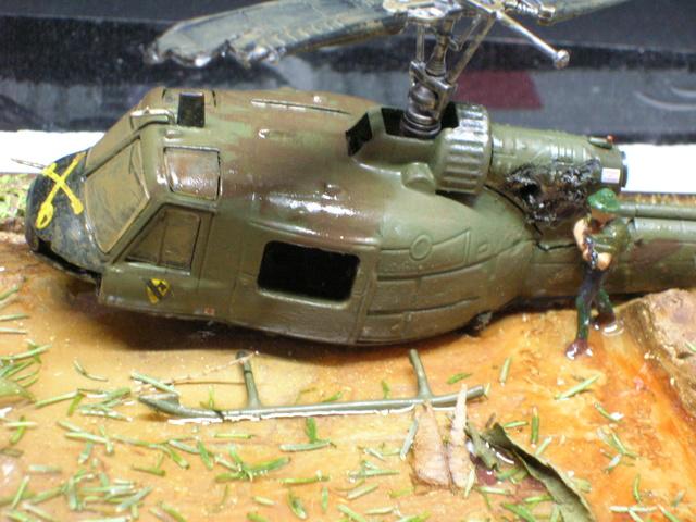 David vs Goliath- Vietnam 1960----HUEY UH-1 iroquois (en métal) + canon 40 mm Bofors et camion Praga RV  (Wrzesien) 1/72---FINI - Page 3 Detail10
