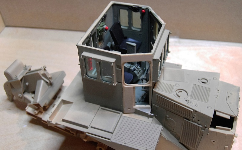D9R with Slat Armor - 1:35 von Meng Pict5412