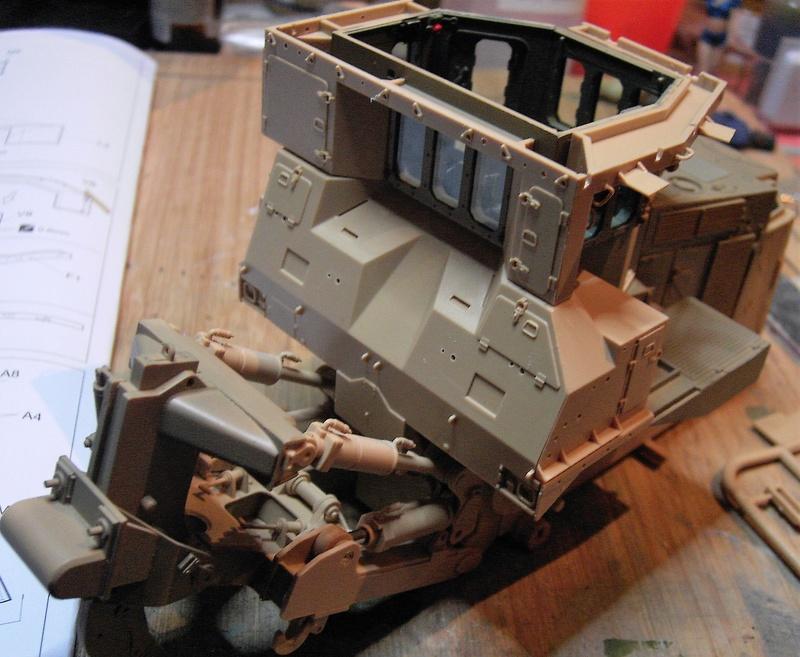 D9R with Slat Armor - 1:35 von Meng Pict5421