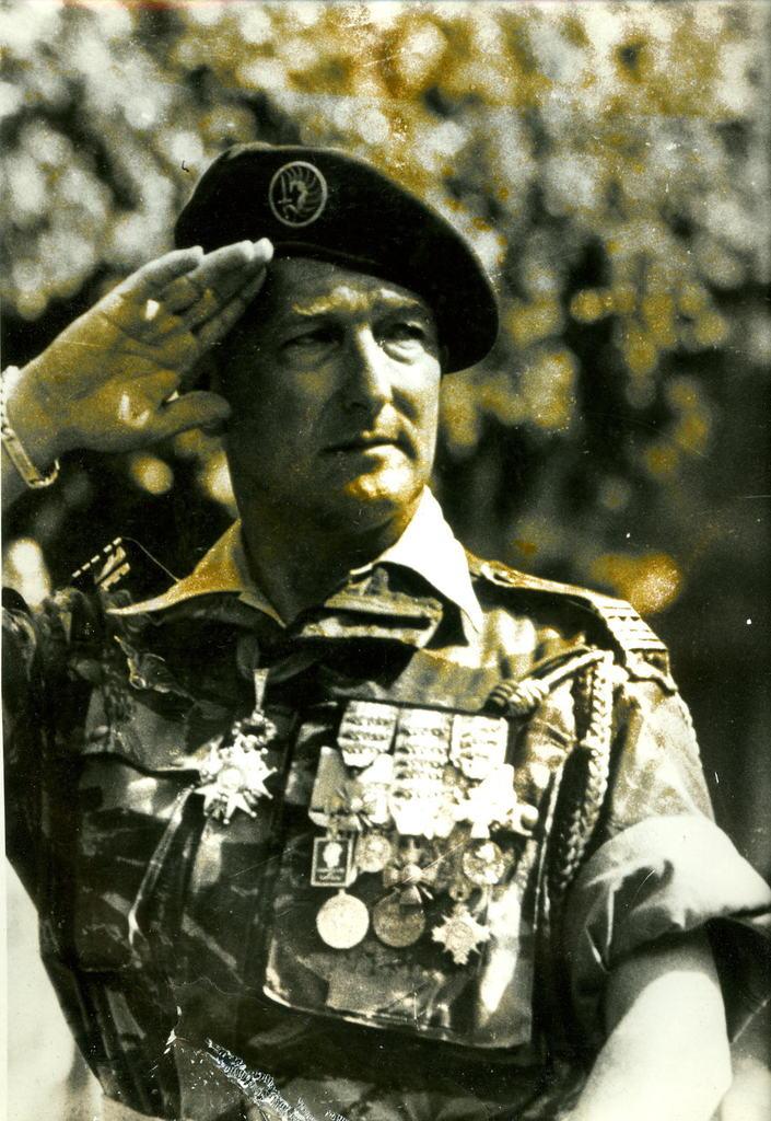 Le 1er R.C.P. rend hommage à un de leur chef de corps prestigieux Genera10
