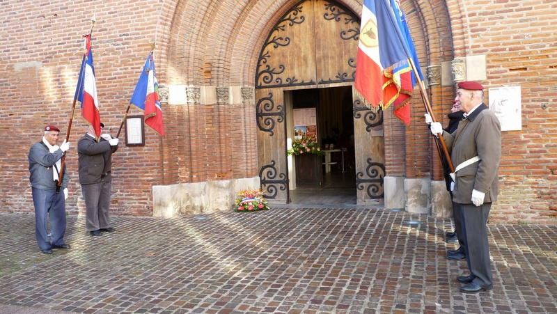 cérémonie consacrée à cet événement le dimanche 4 décembre à Saint Sulpice La Pointe(81) ou était basé le G.I.du 9ème R.C.P. P1080713