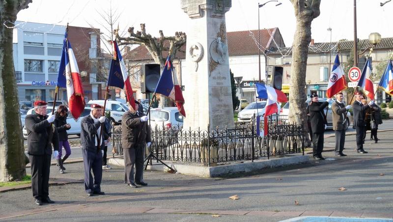 cérémonie consacrée à cet événement le dimanche 4 décembre à Saint Sulpice La Pointe(81) ou était basé le G.I.du 9ème R.C.P. P1080716