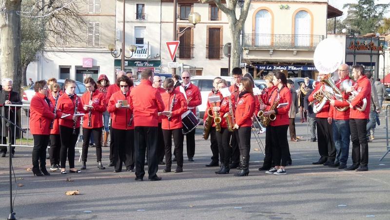 cérémonie consacrée à cet événement le dimanche 4 décembre à Saint Sulpice La Pointe(81) ou était basé le G.I.du 9ème R.C.P. P1080717