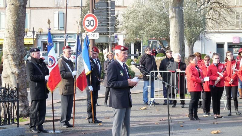 cérémonie consacrée à cet événement le dimanche 4 décembre à Saint Sulpice La Pointe(81) ou était basé le G.I.du 9ème R.C.P. P1080726