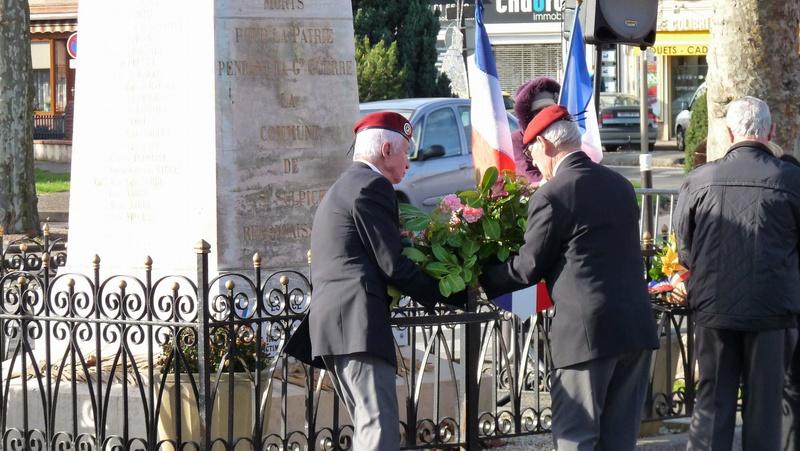 cérémonie consacrée à cet événement le dimanche 4 décembre à Saint Sulpice La Pointe(81) ou était basé le G.I.du 9ème R.C.P. P1080732