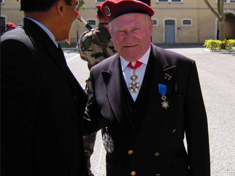 Décès du colonel SEJALON figure du 1er R.C.P. Sejalo10