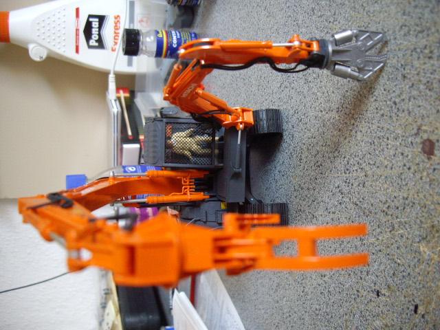 Hitachi Doppel-Arm-Arbeitsmaschine, Hasegawa 1:35 04010