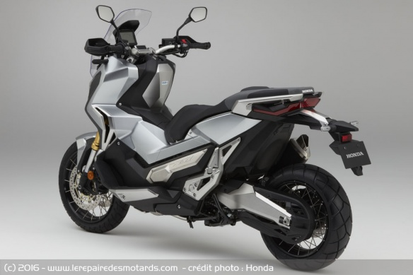 Integra X-ADV un Scoot- Trail Honda très attachant - Page 4 Scoote10