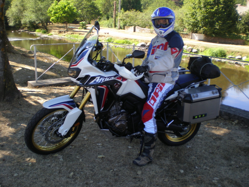 -2016- Album photo Africa Twin CRF 1000 - Page 5 P9070911
