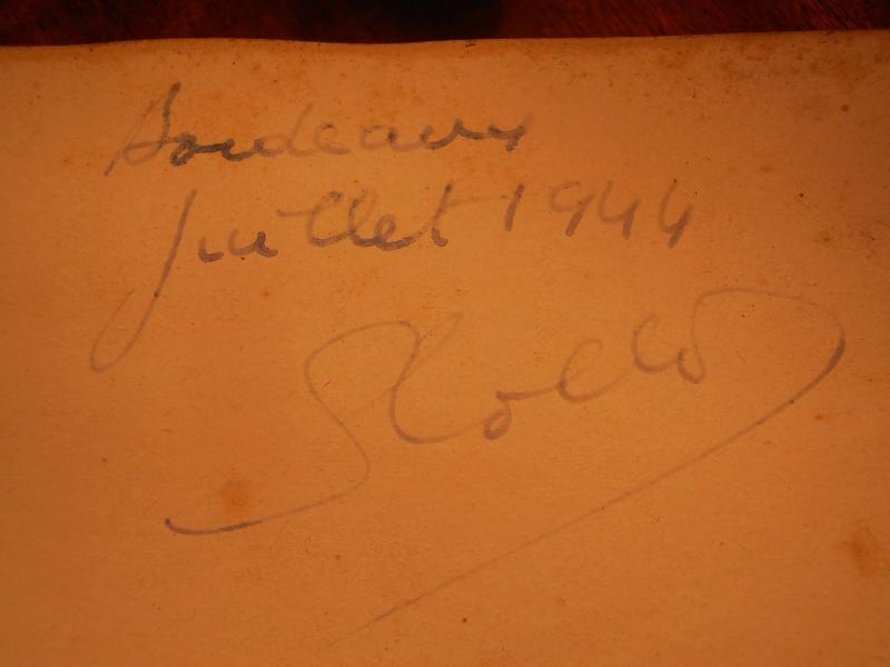 Signature sur revues  P1220110