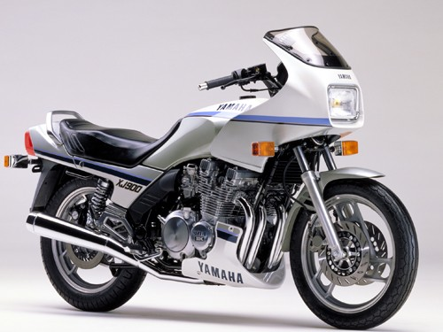 LES NEWS ROCKET QUEEN - Page 4 Yamaha10