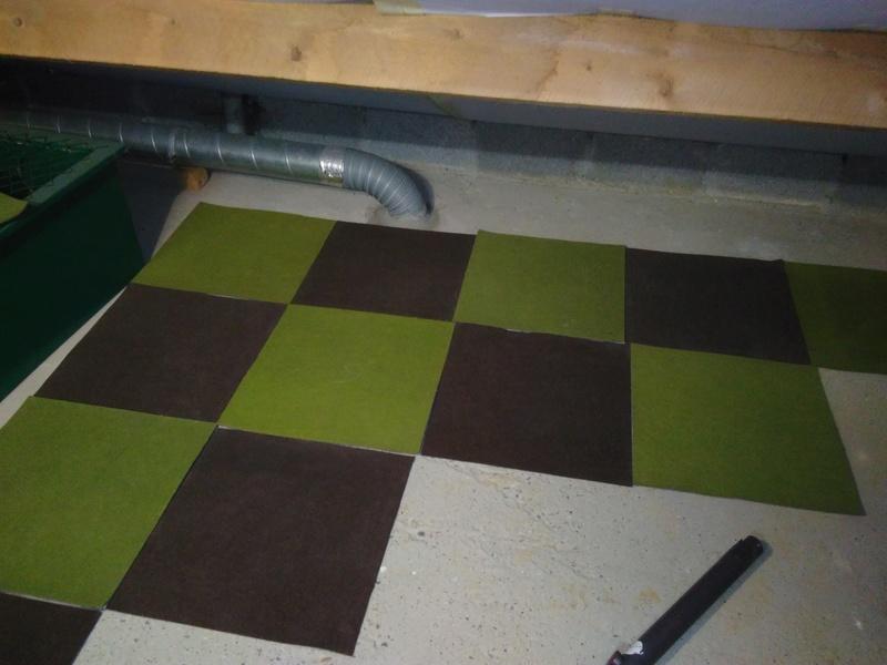 Piste en dalles de moquette dans le grenier ;) Img_2010