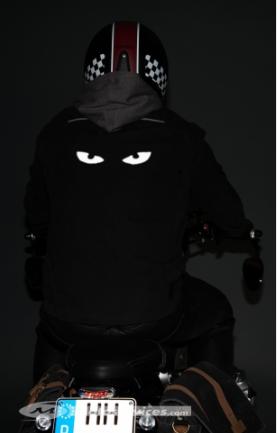 Lightflex : un spray réfléchissant et ses pochoirs Cadddp10