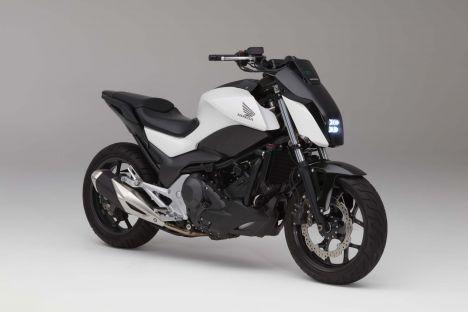 "HONDA ""Riding Assist""- moto équilibrée Honda-13"