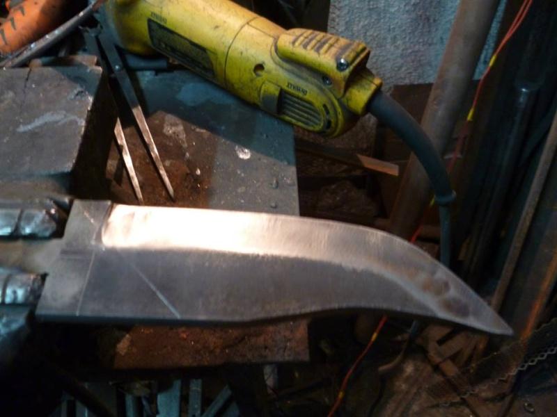 Tres futuros nuevos fierros (cuchillos) 610