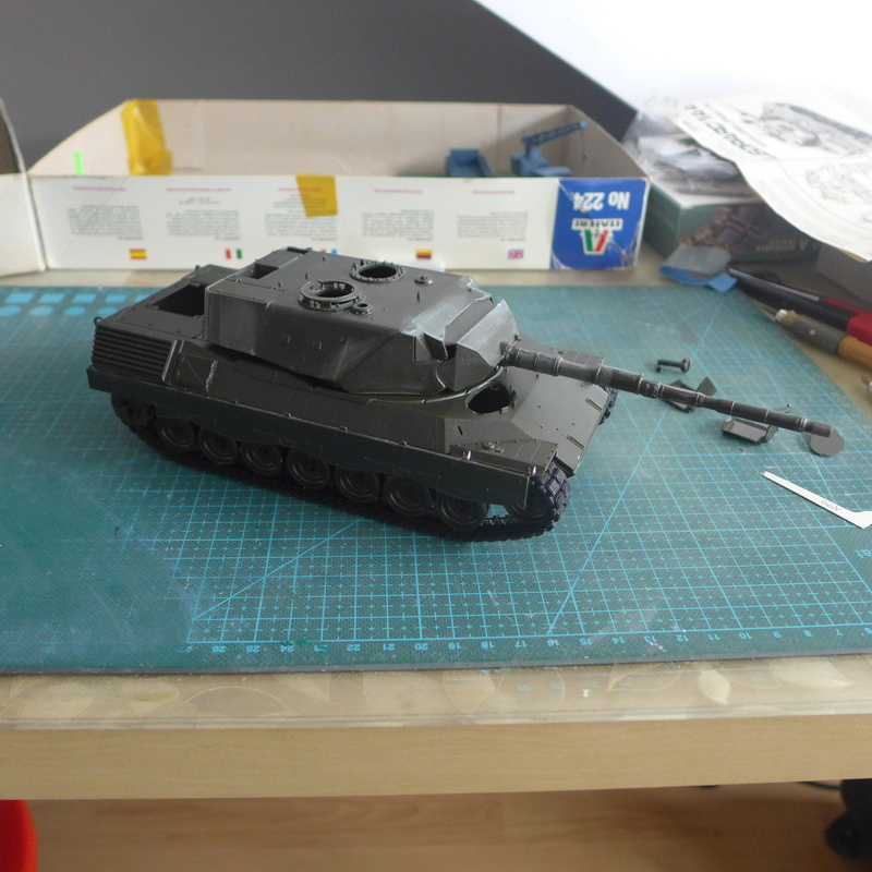 Leopard 1A4 von Italeri in 1:35 P1050724