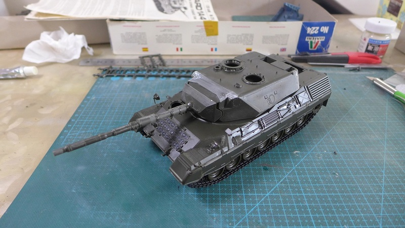 Leopard 1A4 von Italeri in 1:35 P1050815