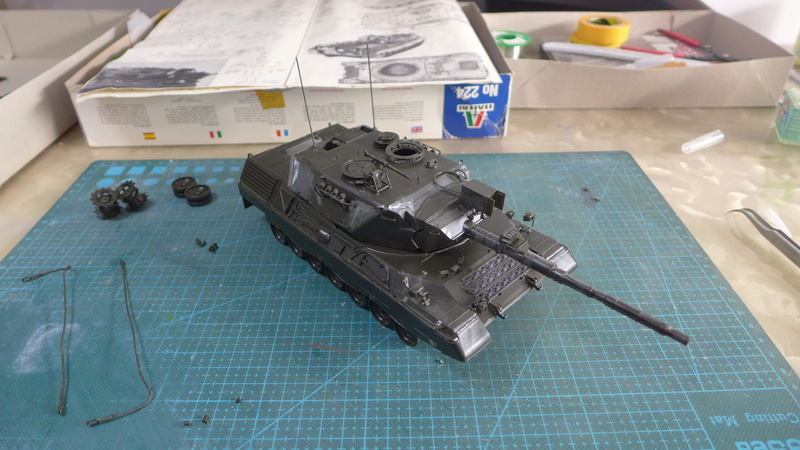 Leopard 1A4 von Italeri in 1:35 P1050819