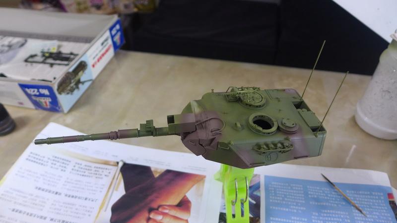 Leopard 1A4 von Italeri in 1:35 P1050840