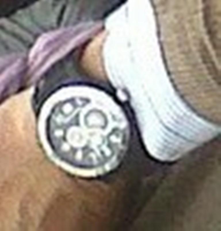 Retrouver la montre à partir d'une photo Massi11