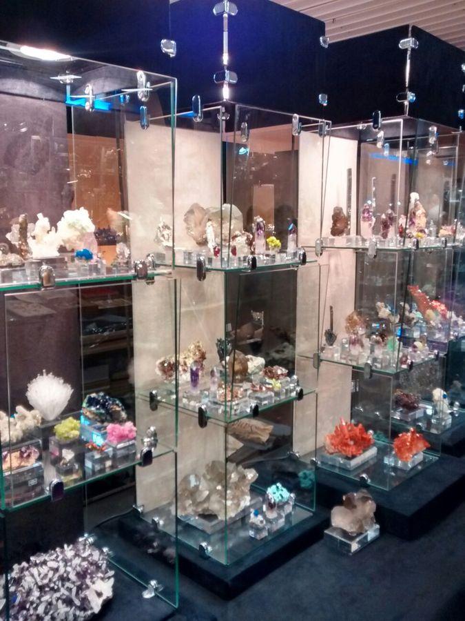 Salón Internacional Minéral Expo París 2710