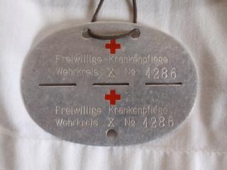 Deutsche Rote Kreuz (DRK), la tenue de l'aide soignante allemande 0152iz10