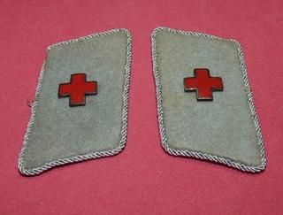 Deutsche Rote Kreuz (DRK), la tenue de l'aide soignante allemande 4184ad10
