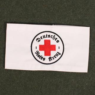 Deutsche Rote Kreuz (DRK), la tenue de l'aide soignante allemande Drk_br13
