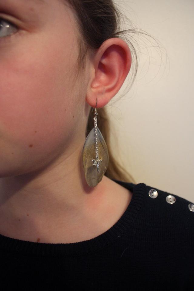 Prendre photos de boucles d'oreilles en plumes Img_8914