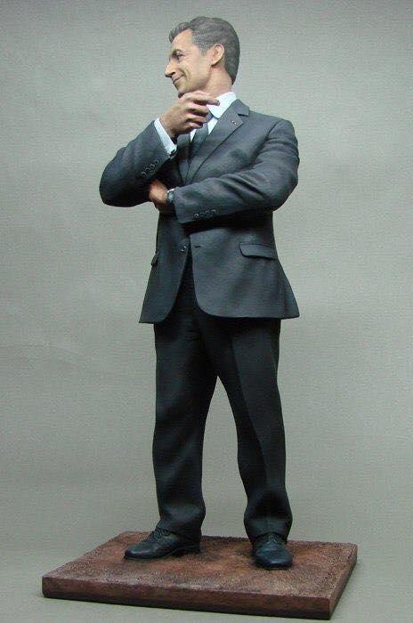 Figurine de Nikolay Ivanov, à voir absolument Sarko_15