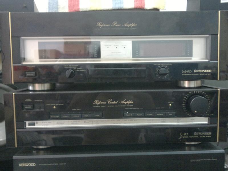 Pioneer C90 pre & M90 power amp 03012010