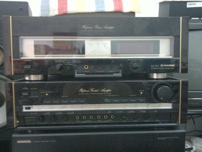 Pioneer C90 pre & M90 power amp 03012012