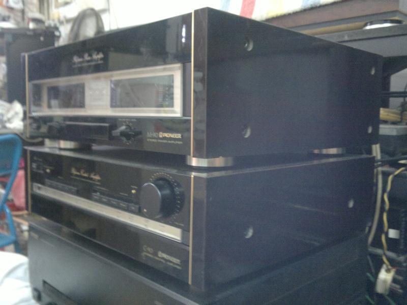 Pioneer C90 pre & M90 power amp 03012014