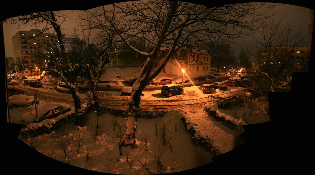 panorama - Bucarest sous la neige pendant la nuit Panora11