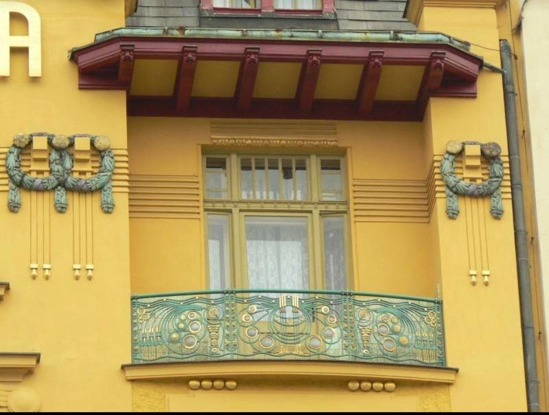 Des fenêtres d'hier et d'aujourd'hui. - Page 25 Fen_x10