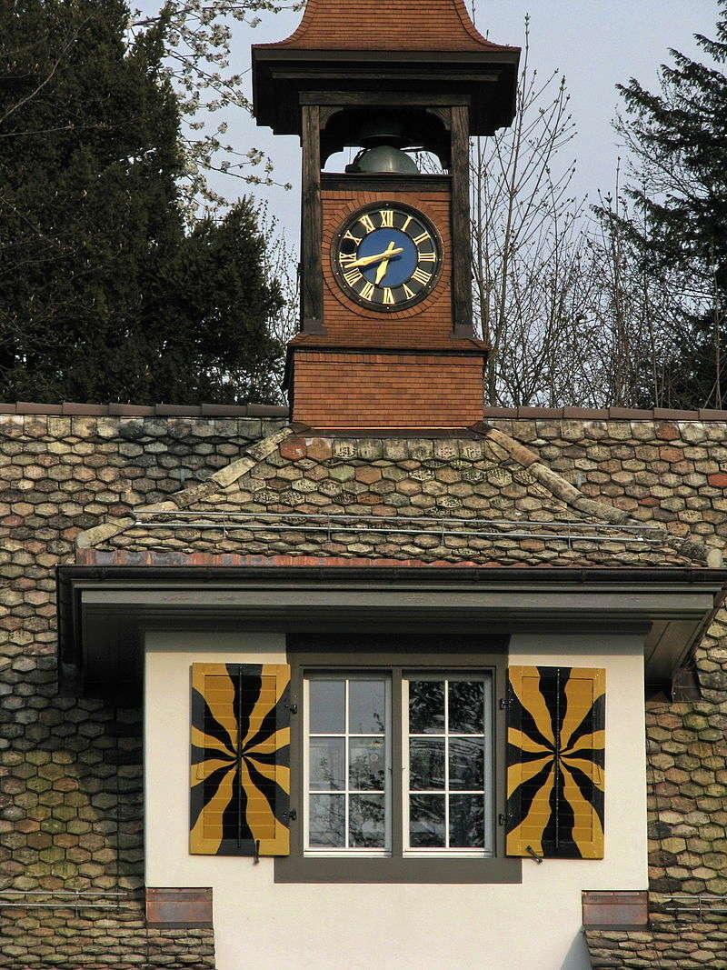 Reçu un beau diapo....Les horloges et pendules des rues..... - Page 43 Hor_a15