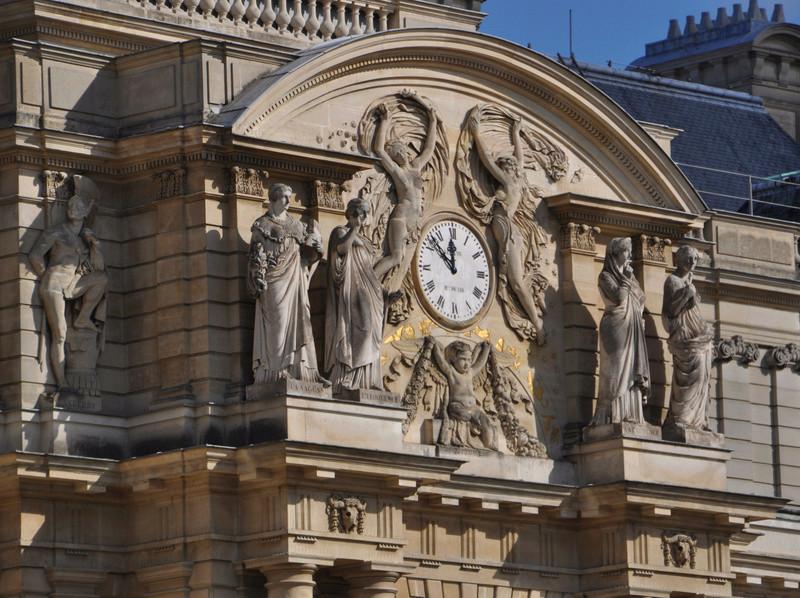 Reçu un beau diapo....Les horloges et pendules des rues..... - Page 41 Hor_b11