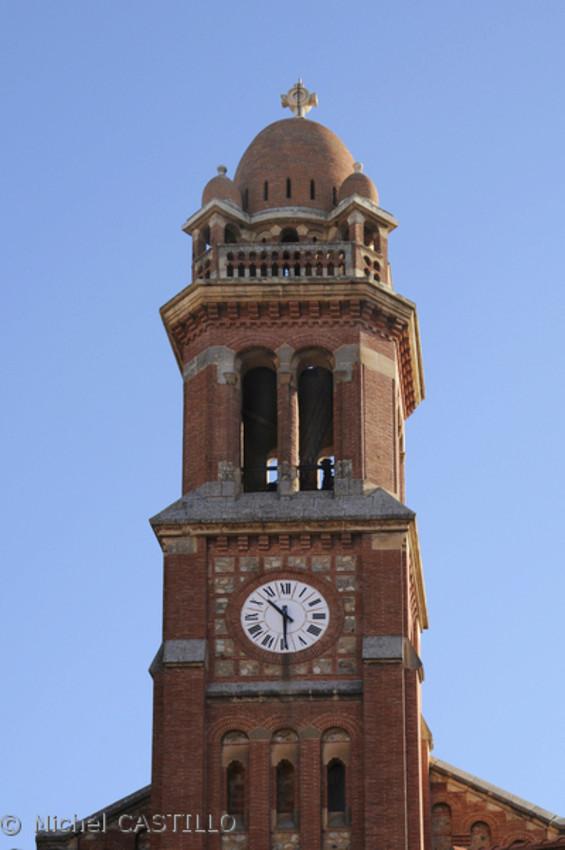 Reçu un beau diapo....Les horloges et pendules des rues..... - Page 42 Hor_cc10
