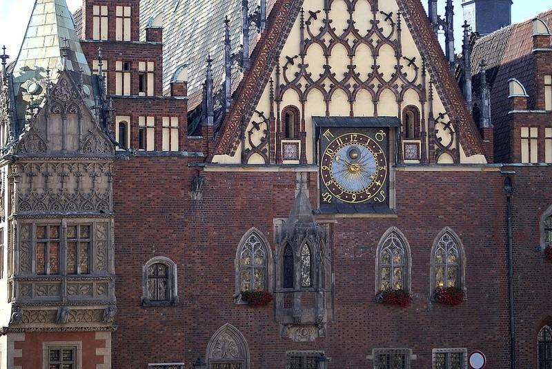 Reçu un beau diapo....Les horloges et pendules des rues..... - Page 42 Hor_fx10