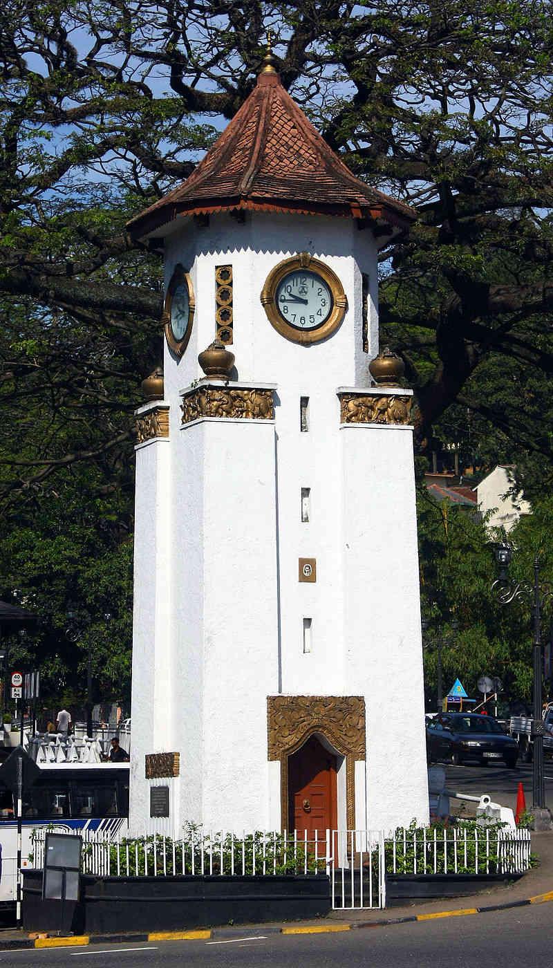 Reçu un beau diapo....Les horloges et pendules des rues..... - Page 43 Hor_j11