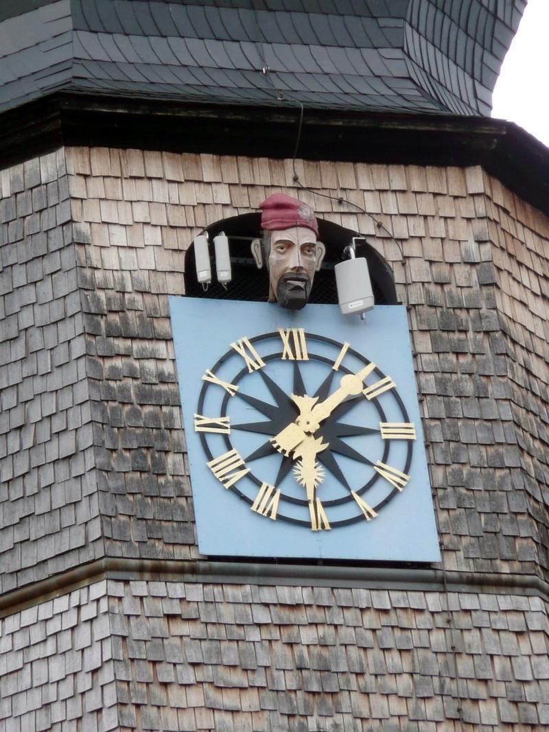 Reçu un beau diapo....Les horloges et pendules des rues..... - Page 43 Hor_m10