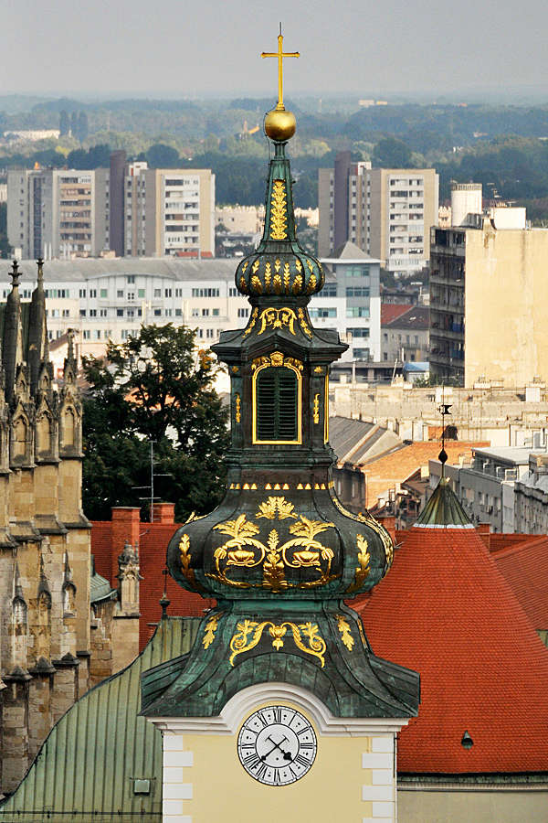 Reçu un beau diapo....Les horloges et pendules des rues..... - Page 44 Hor_v11