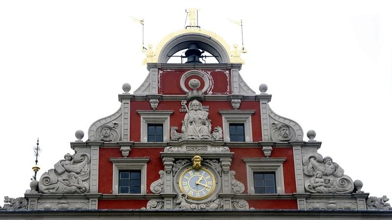 Reçu un beau diapo....Les horloges et pendules des rues..... - Page 41 Hor_z12