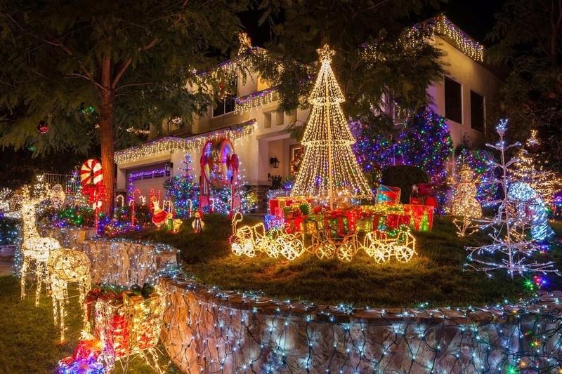 Les illuminations de Noël pour les fêtes 2.015   2.016 ! - Page 12 No_h10