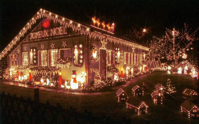 Les illuminations de Noël pour les fêtes 2.015   2.016 ! - Page 12 No_j10
