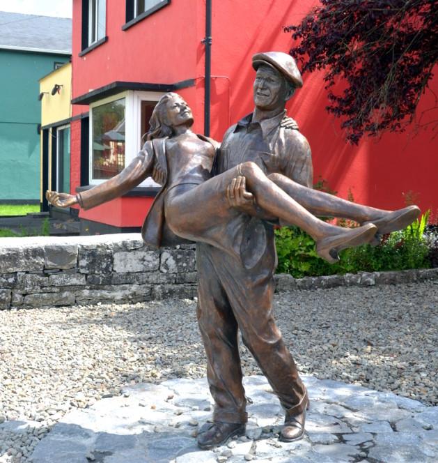 Des statues amusantes ! - Page 9 Sta_fc10