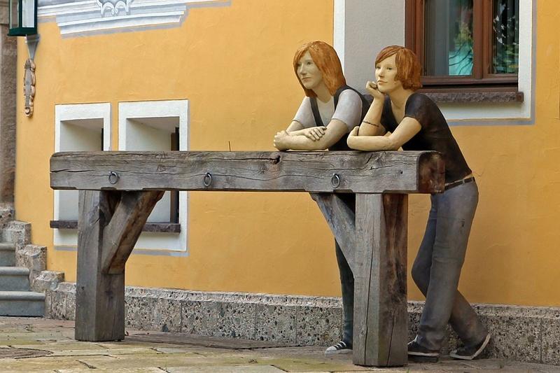 Des statues amusantes ! - Page 9 Sta_ra10