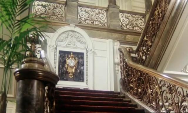 L'horloge du Grand escalier = palais des Tuileries ?  - Page 2 Vlcsna13