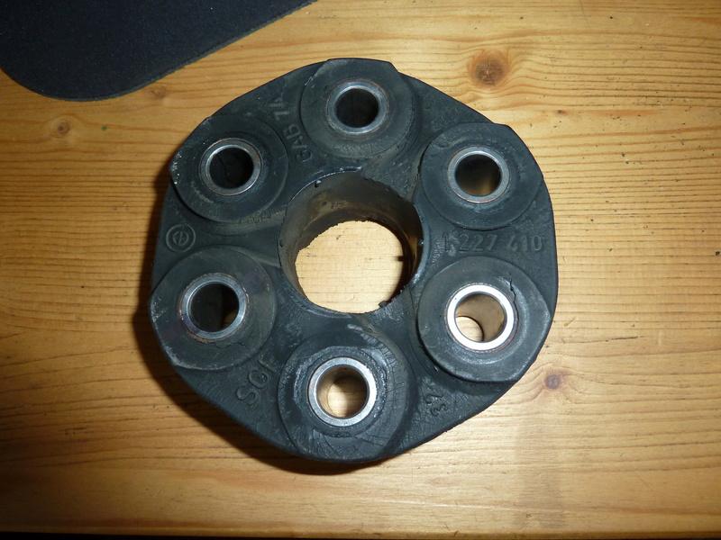 Remplacement de la bague de centrage avant de l'arbre de transmission. P1040221