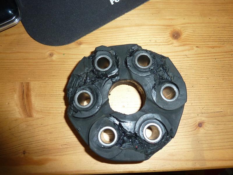 Remplacement de la bague de centrage avant de l'arbre de transmission. P1040222